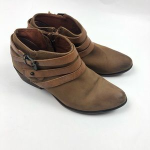 Steve Madden Leather Booties 8M